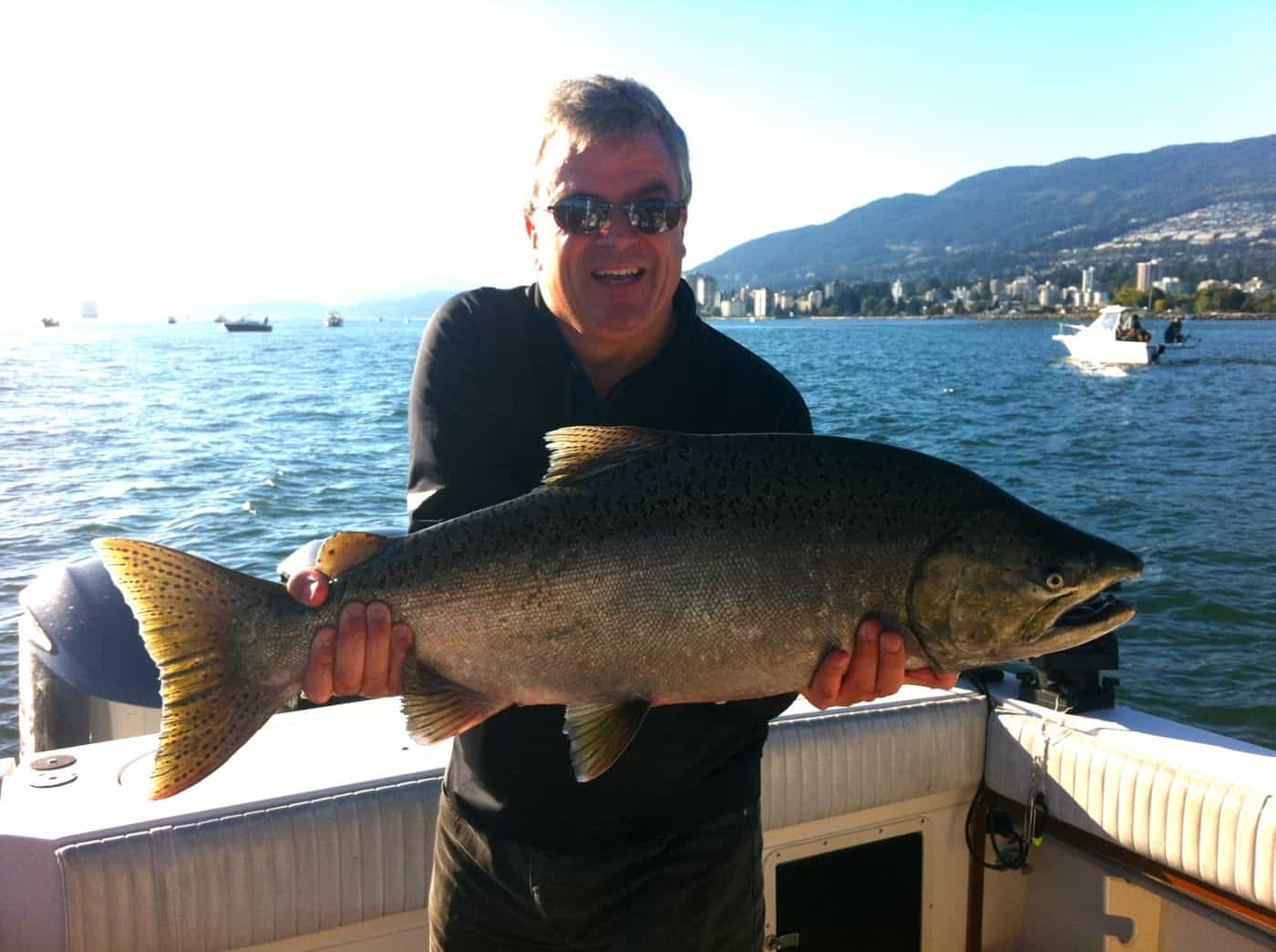 Vancouver best salmon fishing charter 700x522 2x for Salmon fishing charters